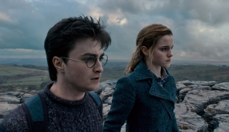 Emma Watson and Daniel Radcliffe in Harry Potter 7