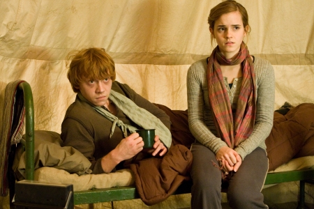 Rupert Grint and Emma Watson in Harry Potter and the Deathly Hallows