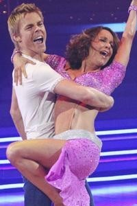 Jennifer Grey wins mirrorball!