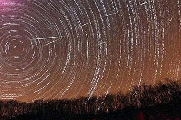 Leonid meteor shower 2010 is visible Nov. 17
