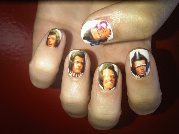 California Gurl loves nails