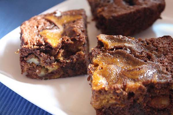 gluten-free dark chocolate pumpkin brownies