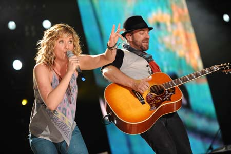 Sugarland settles lawsuit with former member Kristen Hall