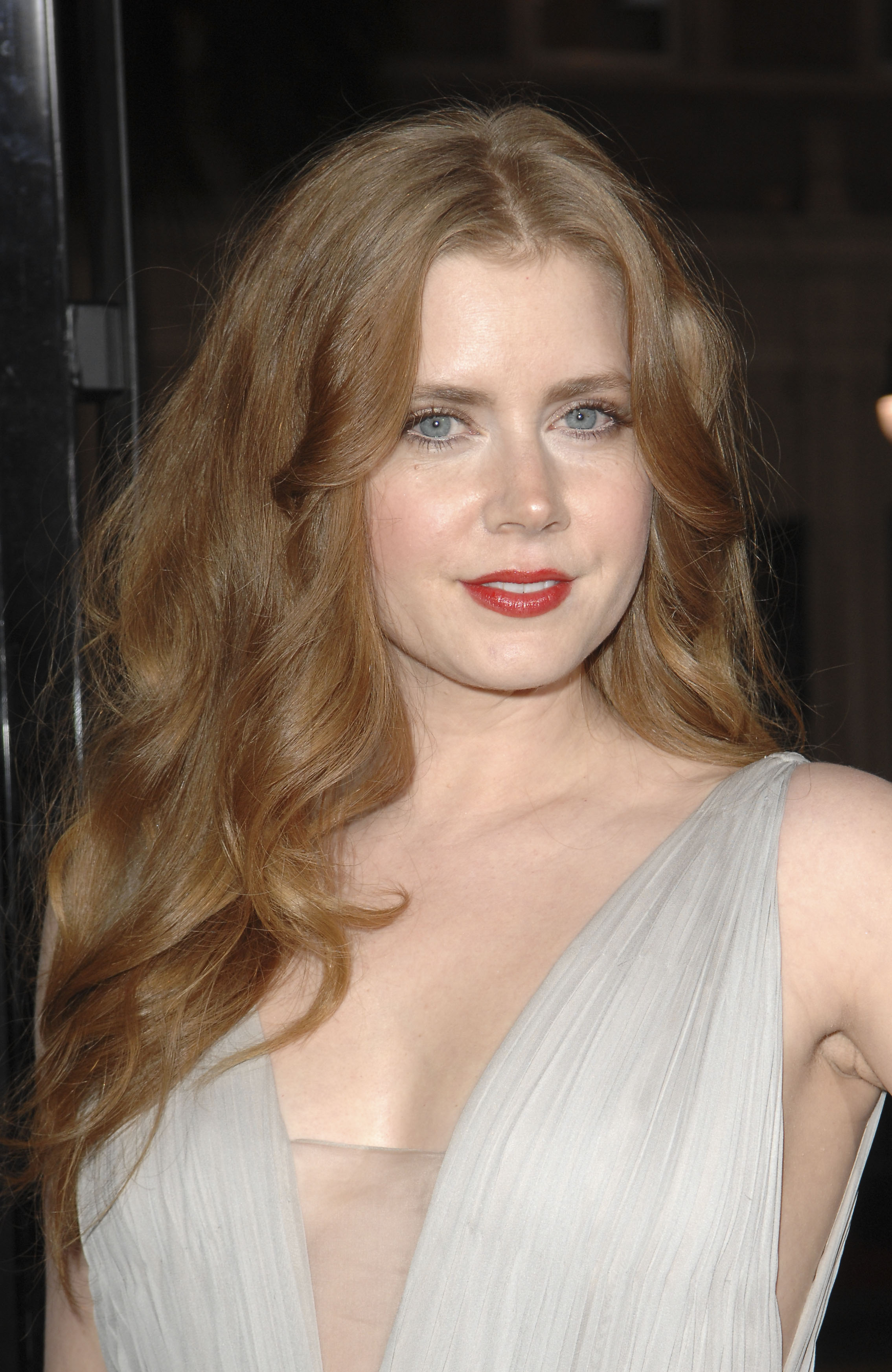Amy Adams dishes The Fighter!
