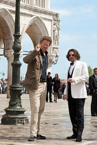 Florian directs Johnny