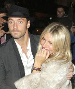 Christmas ring for Sienna Miller