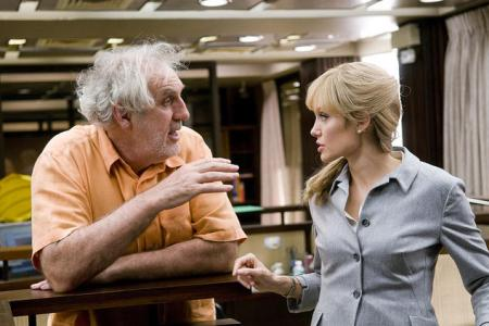 Phillip Noyce and Angelina Jolie in Salt