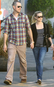 Reese Witherspoon talks fiance