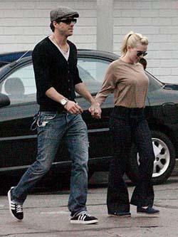 Ryan and Scarlett: Living apart