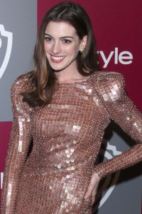 Anne Hathaway joins Glee