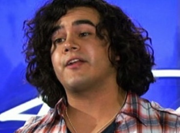 American Idol Chris Medina sings for injured fiancee Juliana Ramos
