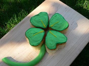 Four-Leaf Clover Cupcakes
