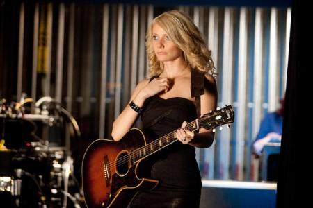 Gwyneth Paltrow gets ready to sing in Country Strong
