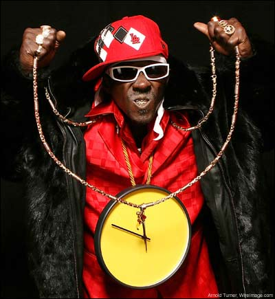 Flavor Flav opens fried chicken restaurant in Iowa