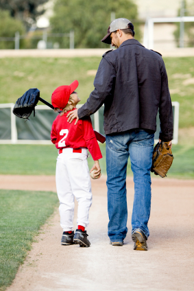 kid dad baseball