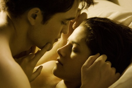 robert pattinson biography and facts. robert pattinson and kristen