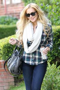 Lindsay Lohan staying sober