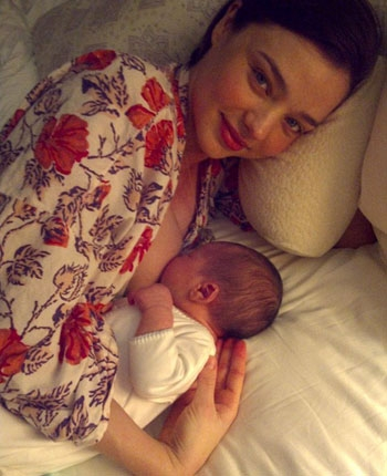 Orlando Bloom baby: First look!