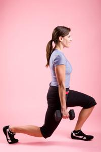 Weight-lifting move #3: Lunge and curl