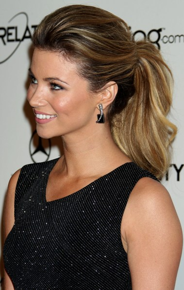 TOP 20 Hollywood's Celebrities Fashionable Ponytails Hairstyle 16 - amber lancaster