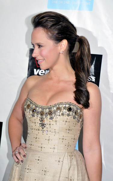 TOP 20 Hollywood's Celebrities Fashionable Ponytails Hairstyle 07 - Jennifer Love Hewitt