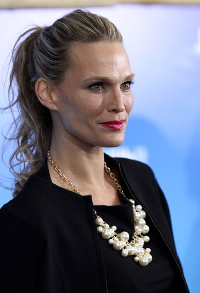 TOP 20 Hollywood's Celebrities Fashionable Ponytails Hairstyle 18 - molly sims