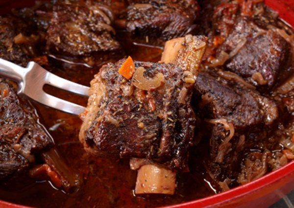 Red Wine and Fruit give Short Ribs a sweet kick