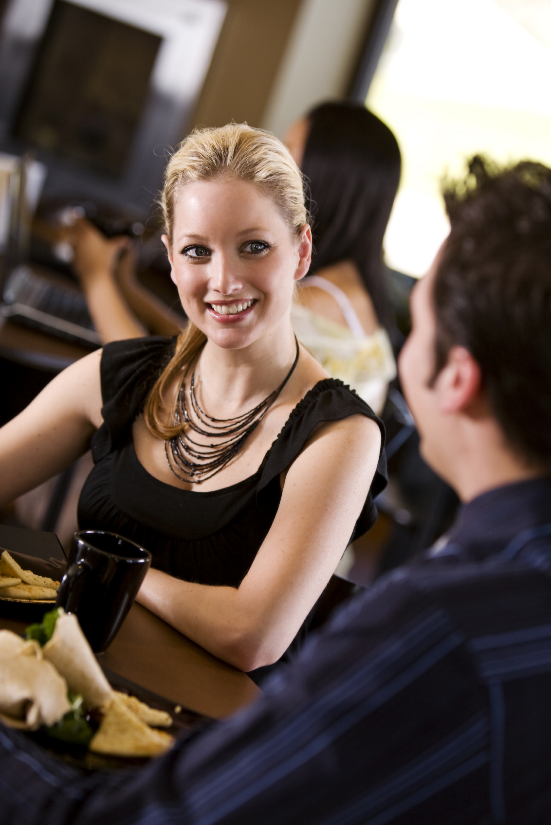 SparkLife » How to Go on a First Date