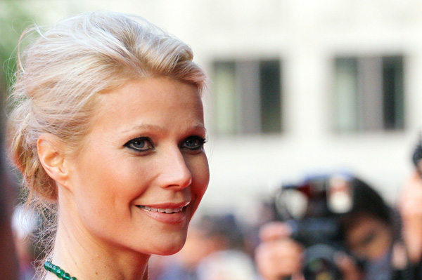 Gwyneth Paltrow has an oblong face shape