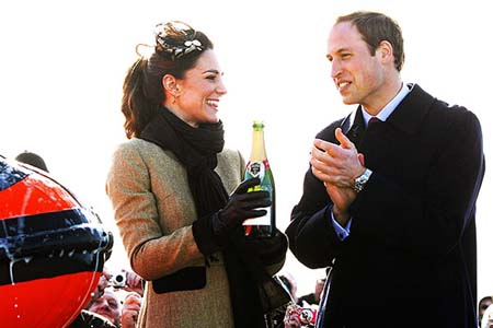 Prince William and Kate Middleton make first official appearance