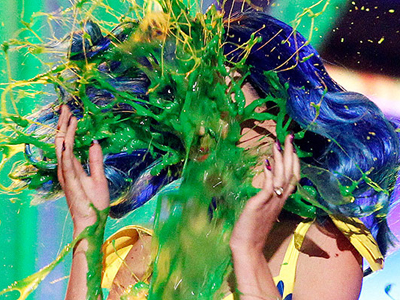 Katy Perry slimed at Nickelodeon Kids choice awards