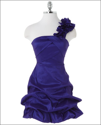 Kelly Osbourne Grammy Award replica dress