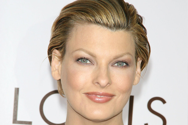 Linda Evangelista has a diamond-shaped face