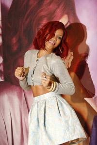 Rihanna & Ryan Phillippe rumors