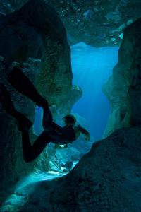 Sanctum cave diving