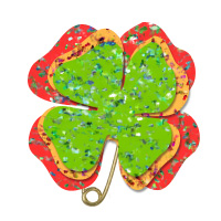 4 leaf clover pin craft for St. Patrick's Day