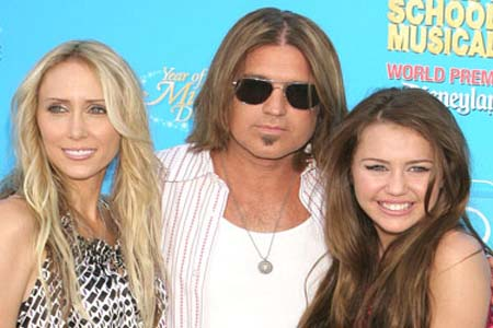 Billy Ray Cyrus mending his family