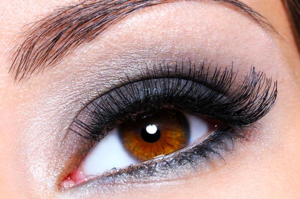 how to buy fake eyelashes