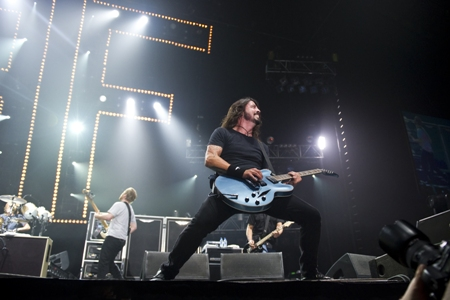 Foo Fighters go West