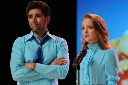 John Stamos is back on Glee!