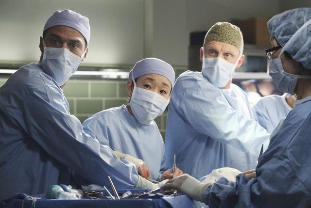 The Seattle Grace docs fight to save Callie on Grey's Anatomy