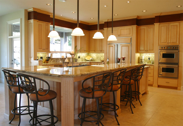 Kitchen with furniture-type cabinetry