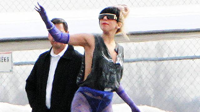 Gaga's two-toned hair