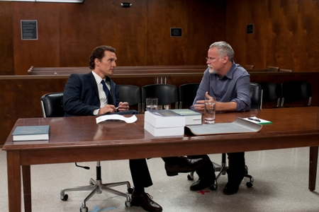 Matthew McConaughey confers with The Lincoln Lawyer author Michael Connelly