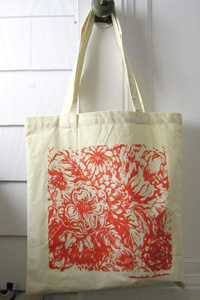 Use totes are an eco-friendly option for shopping