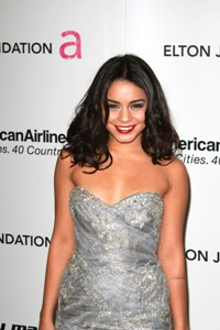 Vanessa Hudgens angry at nude pics