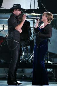 Kelly Clarkson to perform Thursday