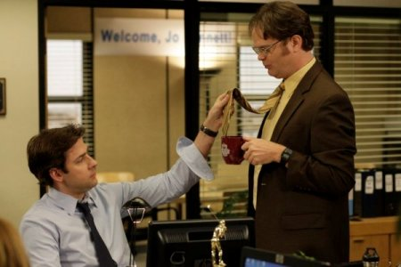 John Krasinski and Rainn Wilson in The Office
