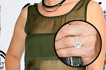 Amy Smart engagement ring