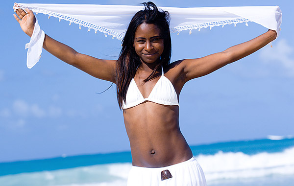 swimsuit shopping, looking your best, summer fashion, flattering swimsuits